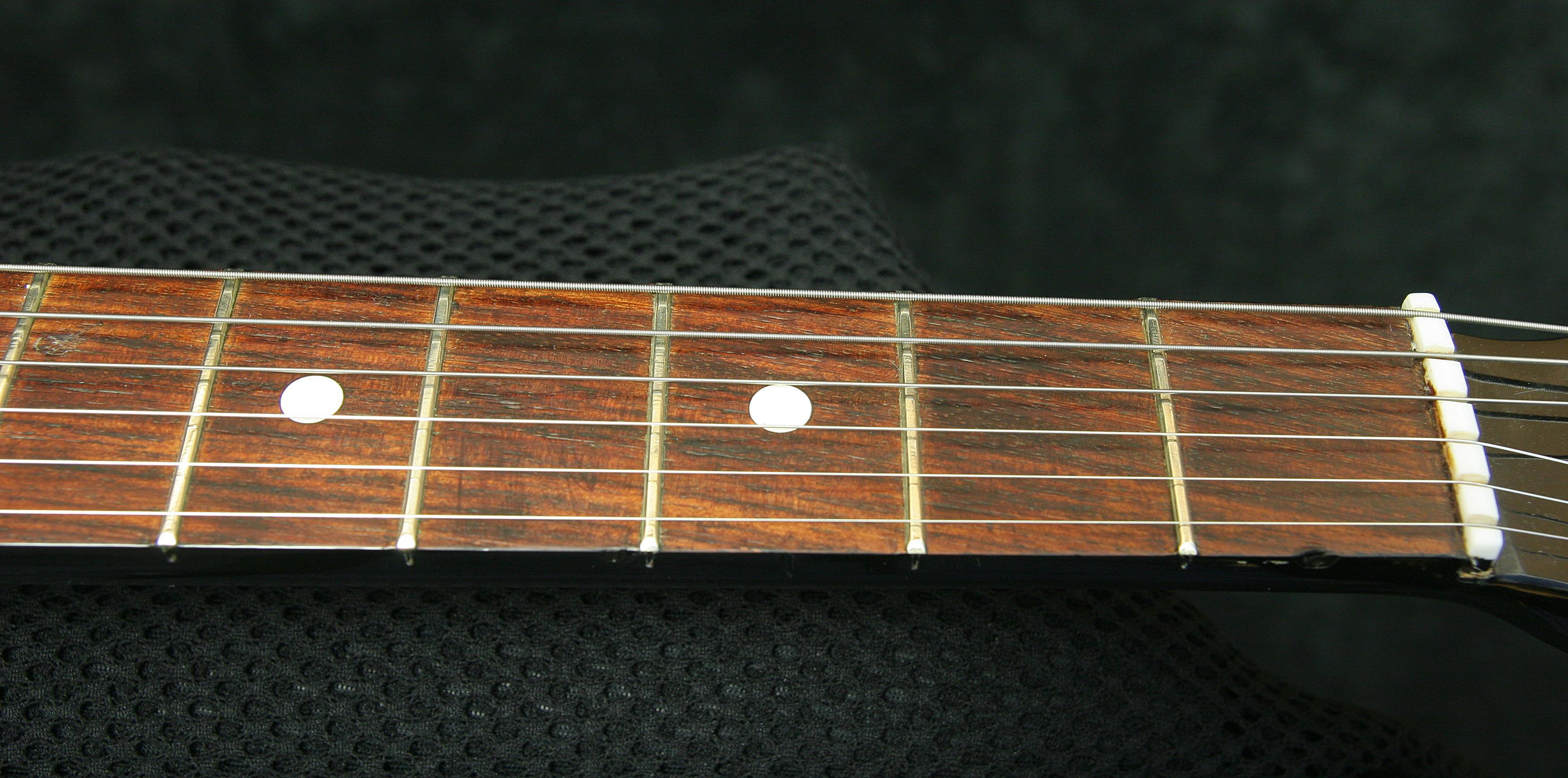 Ural Tonika EGS-650 - fingerboard - reforgedguitars.com