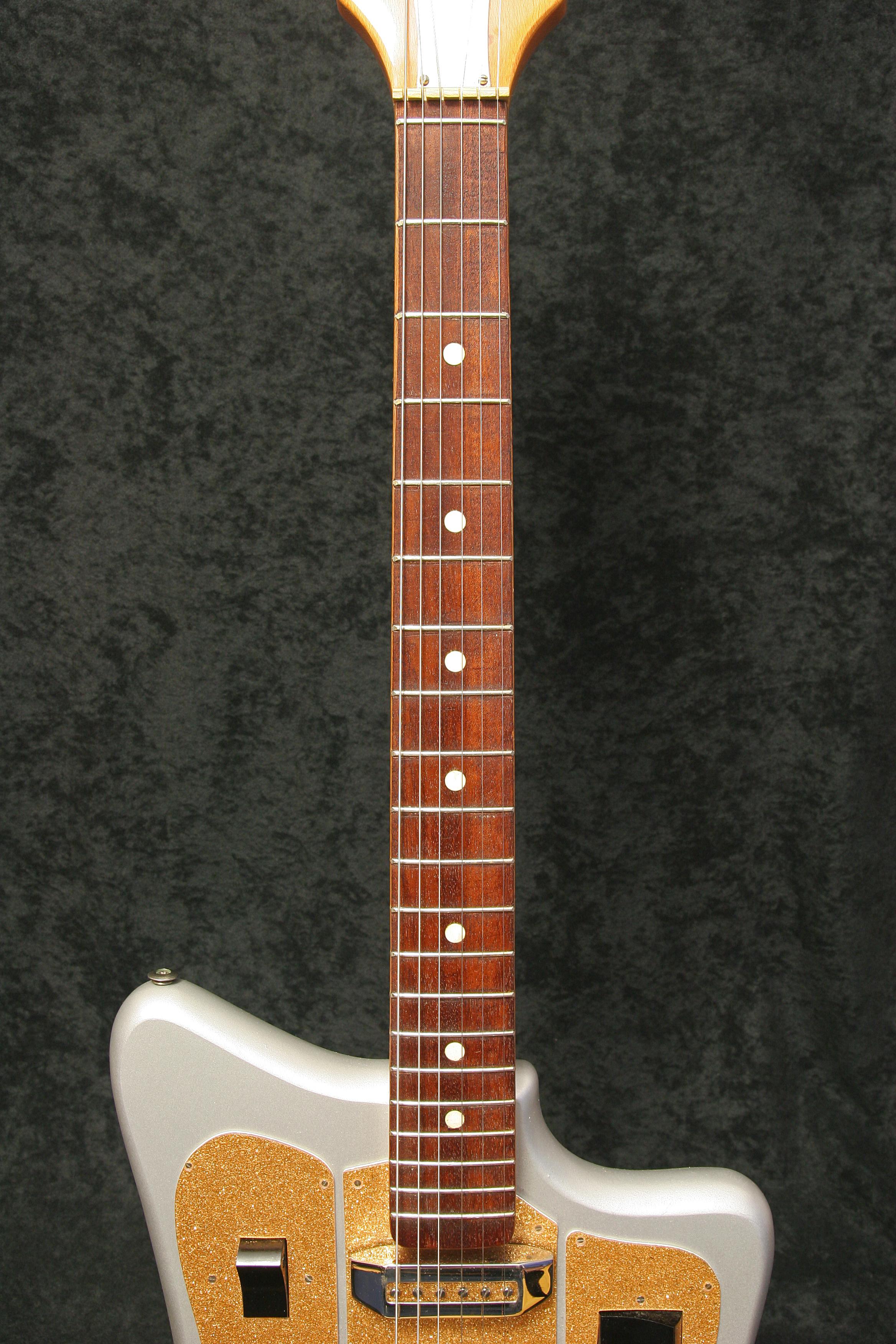 6.neck