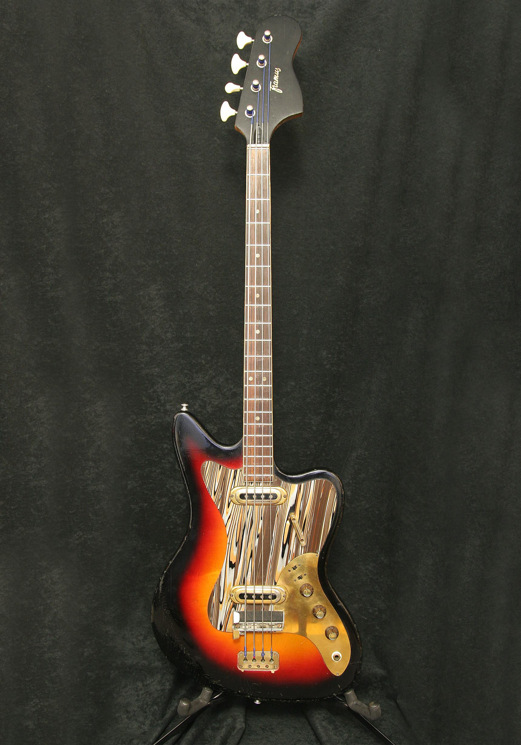 Framus Golden Strato de Luxe Star Bass body front