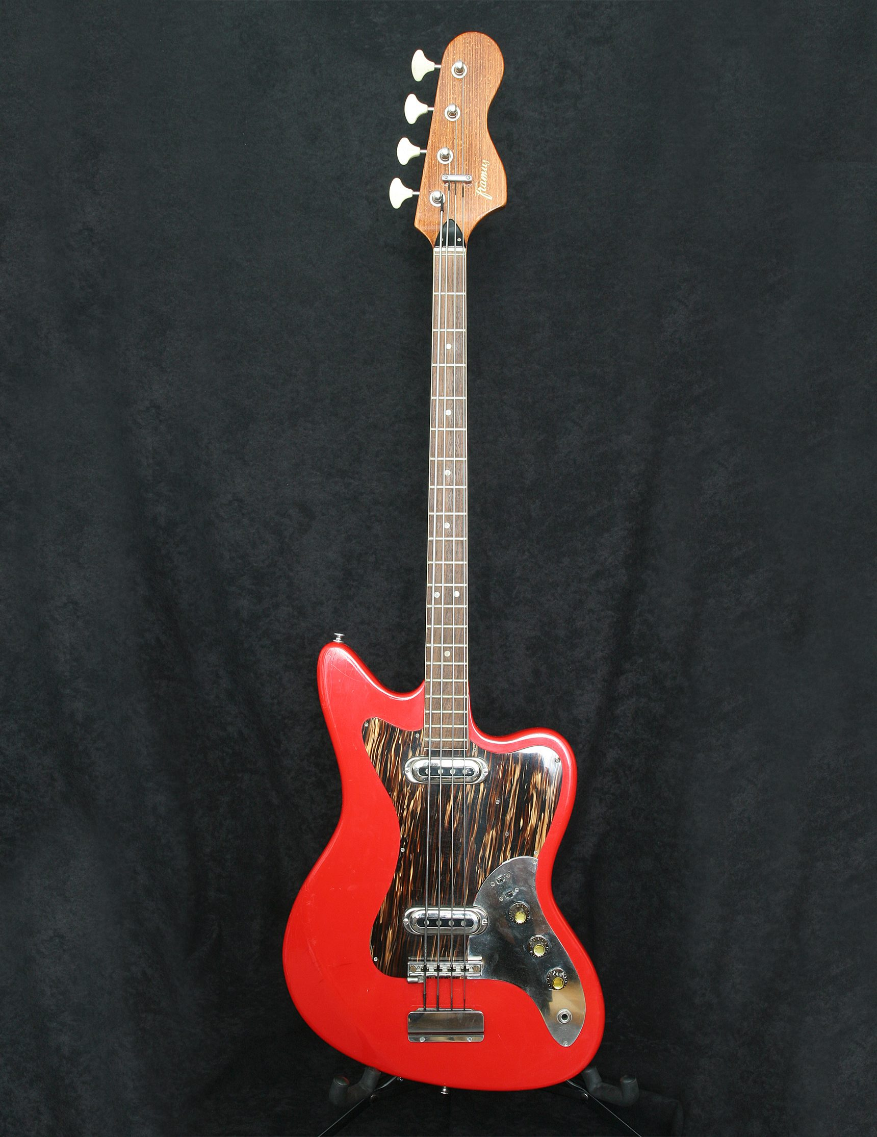 Framus Strato Star Bass 5/165/52 body front