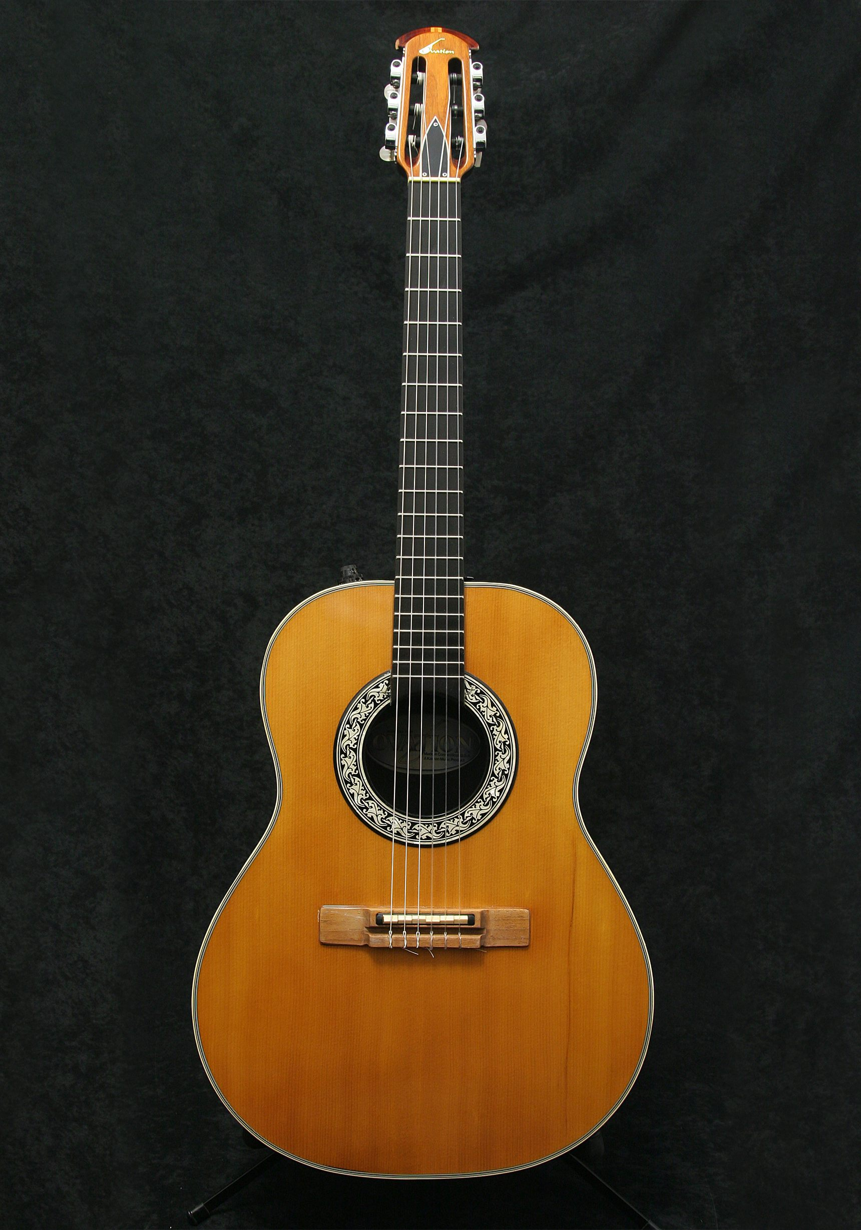 Ovation Country Artist 1624 body front